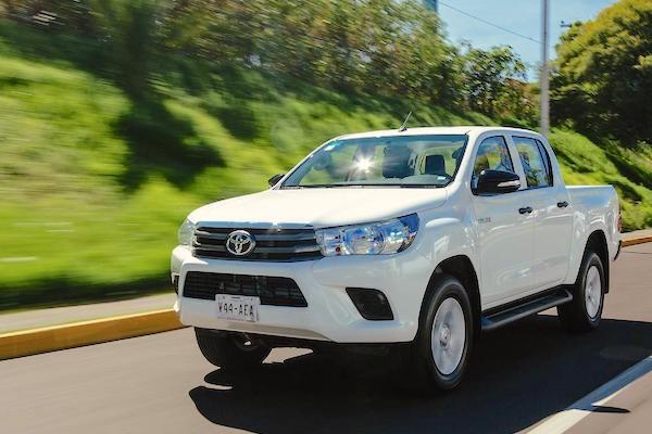 Toyota Hilux Argentina September 2016. Picture courtesy autocosmos.com.mx