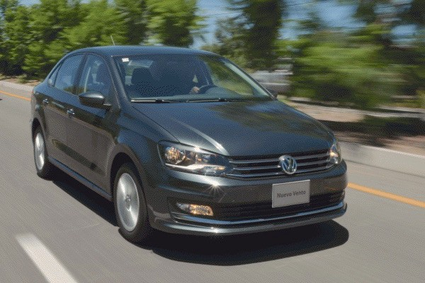 VW Vento Mexico October 2016. Picture courtesy automovilonline.com.mx