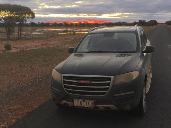 Haval H8 sunset