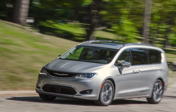 Chrysler Pacifica Canada September 2016. Picture courtesy caranddriver.com