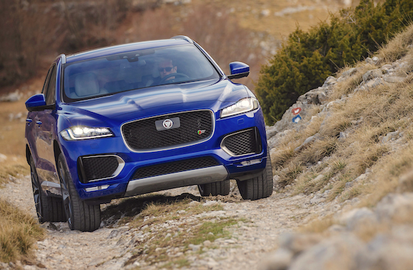 Jaguar F-Pace UK 2016