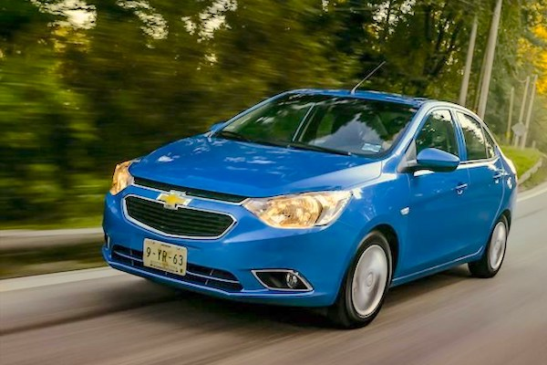 Mexico October 2018 Chevrolet Aveo Edges Past Nissan Versa To 1