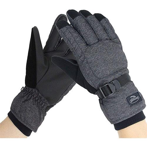 Top 10 Best Ski Gloves Reviews in 2020