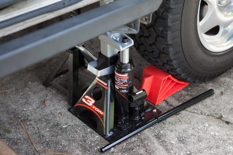 pin type jack stands