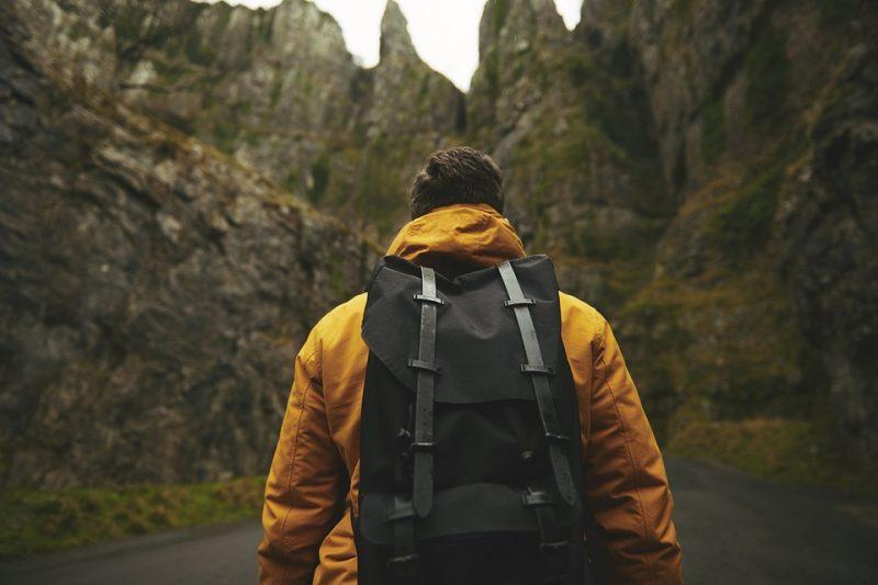 pengalaman mendaki gunung sendirian