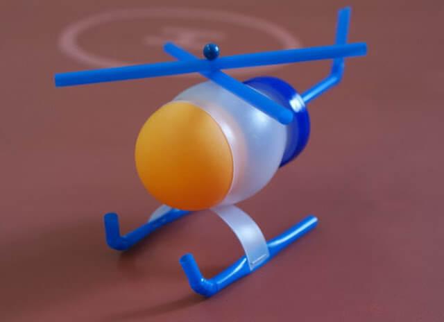 mainan-helikopter-mini-dari-botol-dan-sedotan