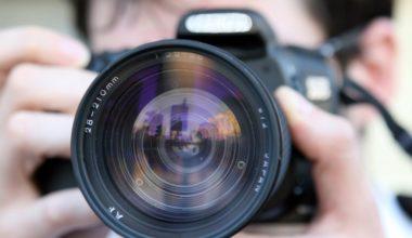 komposisi-fotografi-kamera