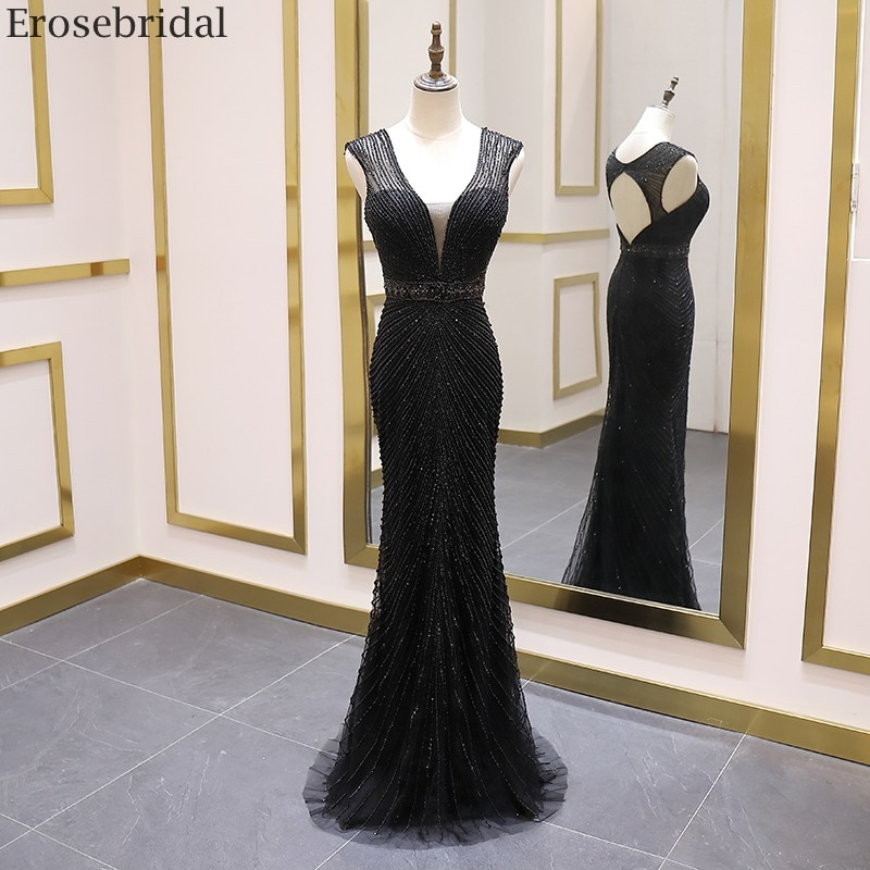 Long Black Dress - The Perfect Costume for Any Occasion