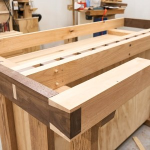 The Woodworker's Workbench - Hand Cut Dovetails, Dog Holes and a Vise