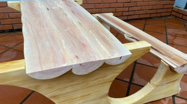 Inspirational Woodworking Ideas // Build A Table And Chairs Out Of A Tree Cut In Half