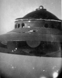 Original-Foto eines UFOs von George Adamski