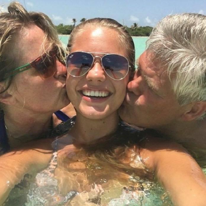 Van der Zee's disease soon escalated into sudden cardiac arrest & # 39 ;, said her parents. Credit: Instagram