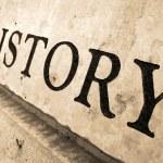 Luci ed ombre sul nuovo assetto della storia