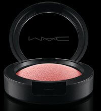 MAC Mineralized Blush in Azalea in the Afternoon
