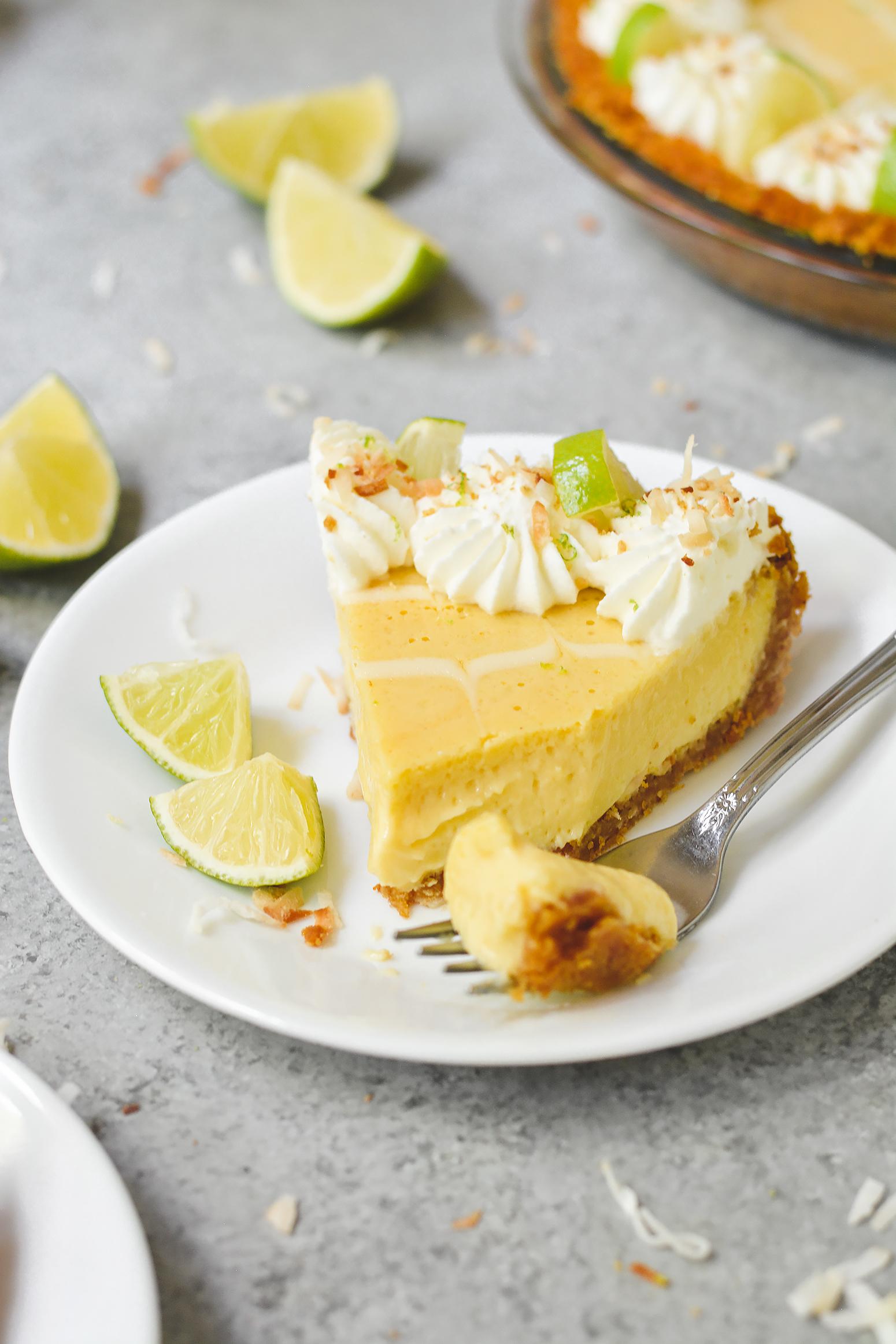 toasted coconut key lime pie - bethcakes.com