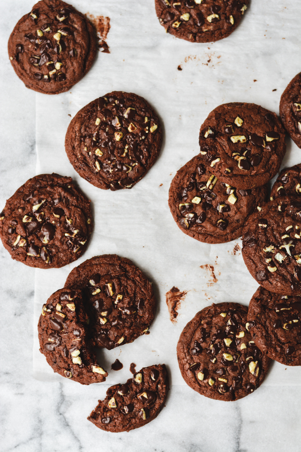 chocolate mint cookies - bethcakes.com