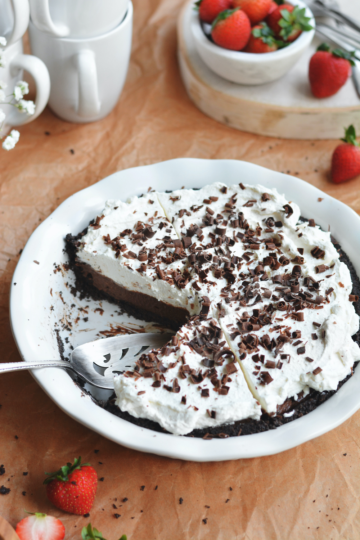 chocolate cream pie - bethcakes.com