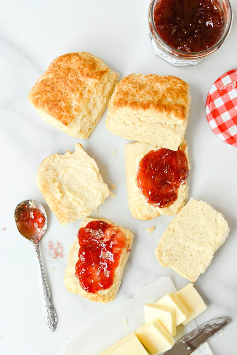 small batch buttermilk biscuits - bethcakes.com