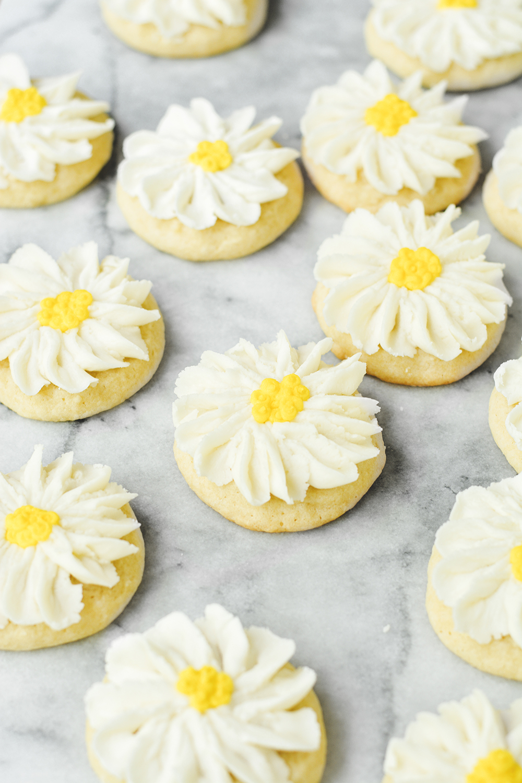 daisy sugar cookies - bethcakes.com