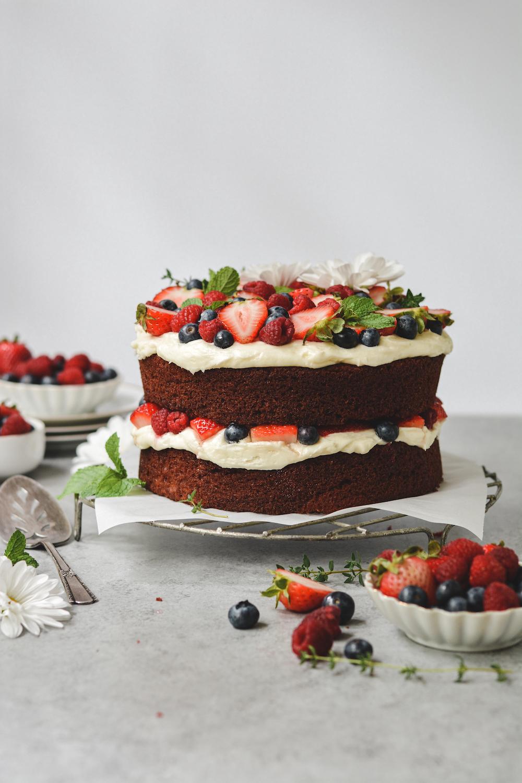 red velvet berries and cream cake - bethcakes.com