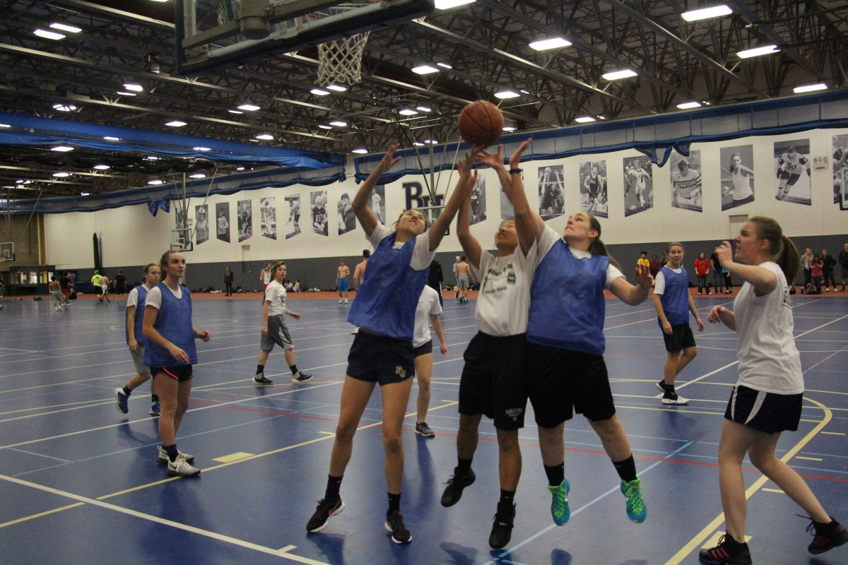 Women's intramural basketball makes its return
