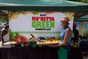Mo Betta Green Beverly Grant with produce at Five Points August 2015