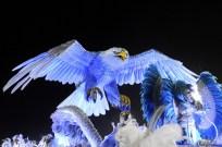 Portela 140303 076 +üguia voa abre alas
