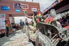 07 enero 2016, Potosí, Uyuni.- Wálter Nosiglia junto al presidente Evo Morales en su llegada a Uyuni, en el Rally Dakar 2016. (Fotos: PRESIDENCIA/Freddy Zarco)