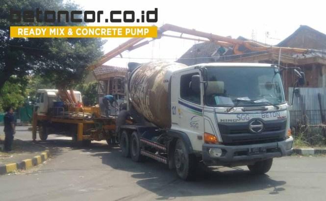 Pengecoran menggunakan pompa beton