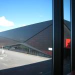 Heyerdahlskolan. En stor sporthall med internationella mått för handboll hör till skolan men används också för klubbspel och evenemang. Foto: Anita Stenler