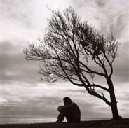 """""""I was the loneliest person who ever lived"""" (epitáfio ditado ao poeta Robert Lowell por Elizabeth."""
