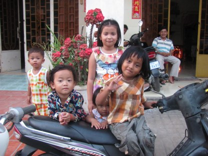 Beautiful Cambodian children in Kampot