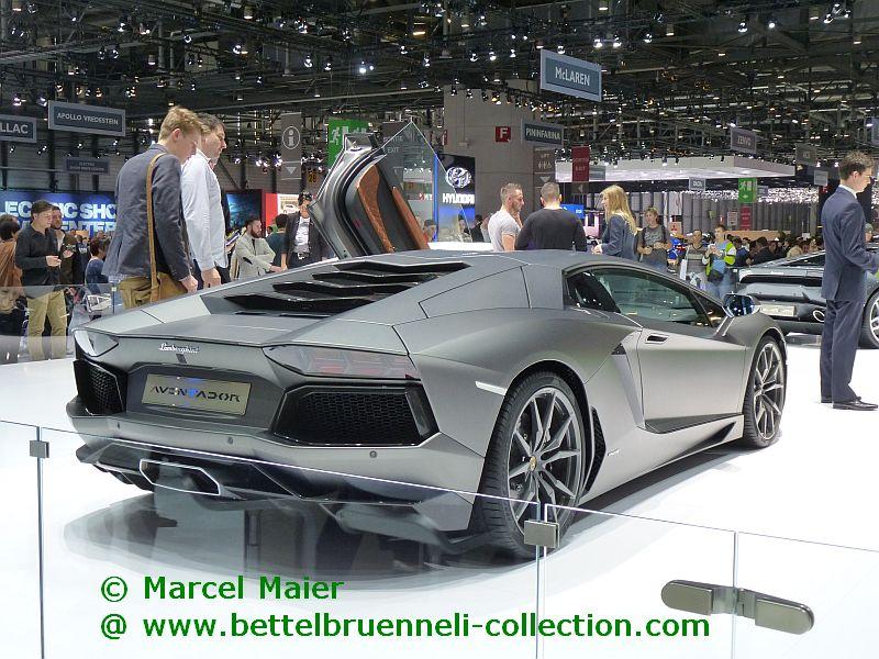Lamborghini Aventadror LP700-4 2014 001h