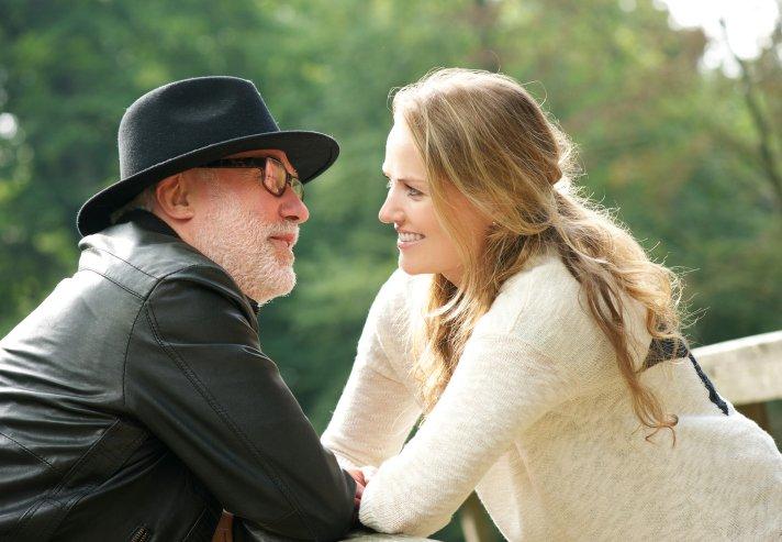 Why women want older men