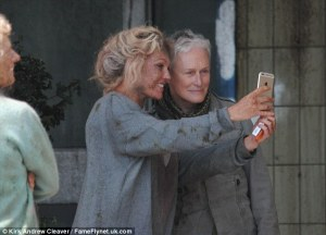 glenn close without makeup0-Hollywood_veteran_Glenn_Close_posed_for_a_selfie_with_an_extra_a-m-25_1435079752750