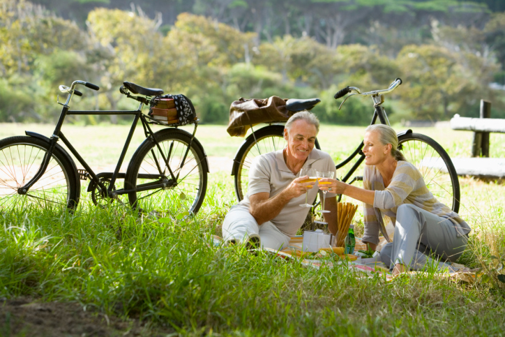 Couple having picnic