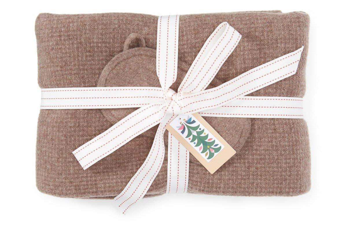 Halogen Wool & Cashmere Eye Mask & Travel Wrap Gift Set
