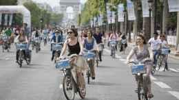 Vélib bikes in Paris