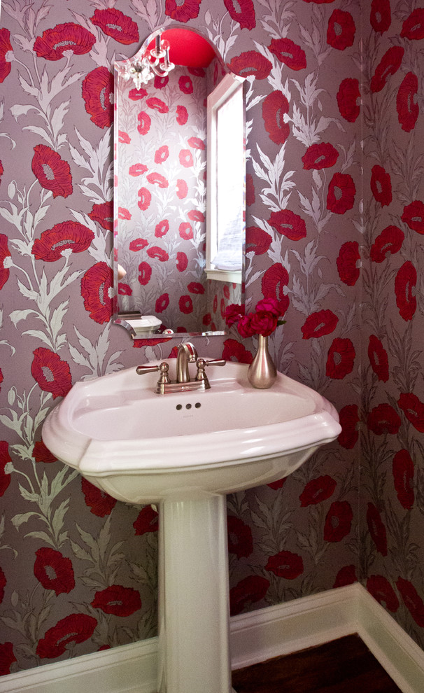 Make An Iconic Wall With Floral Palm And Banana Leaf