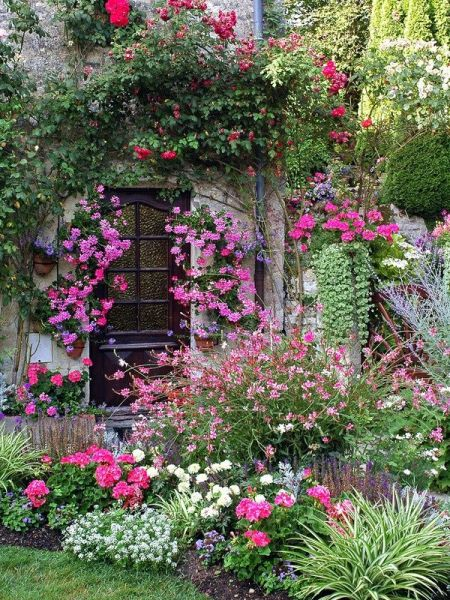 beautiful flower gardens pinterest Garden Glory - Spruce up Your Flower Bed with our Top 5