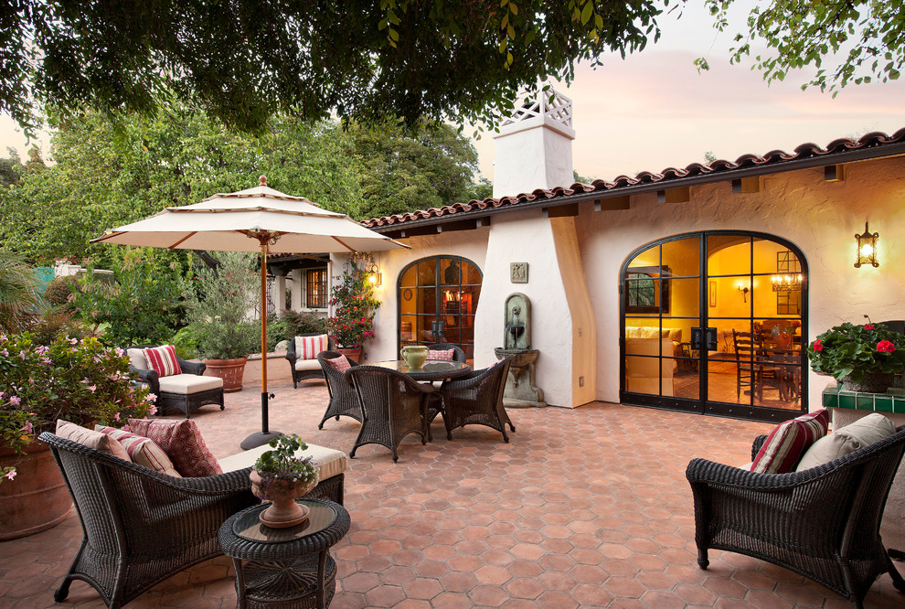 7 Patio Must-Haves for Summer Entertaining ... on Small Mediterranean Patio Ideas id=17629