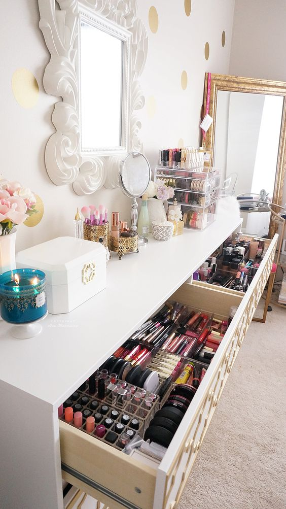 Fabulous Makeup Glam Rooms and How to Decorate Your Own ... on Makeup Room Ideas  id=16547
