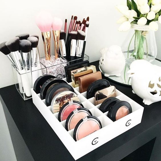 Fabulous Makeup Glam Rooms and How to Decorate Your Own ... on Makeup Room Ideas  id=55364
