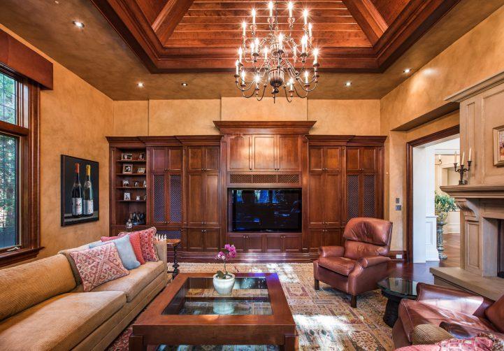 31 Knightswood Road - Family Room