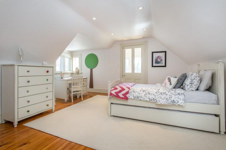 123 Bedford Road - Bedroom Top Floor