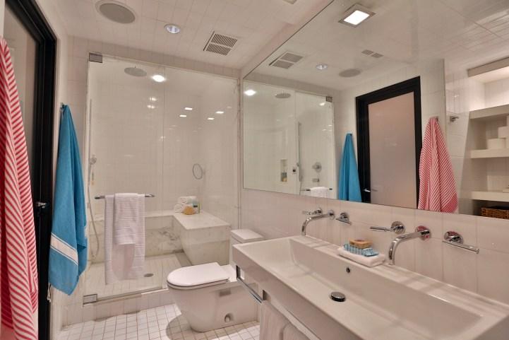157 South Drive - Bathroom Small Shower