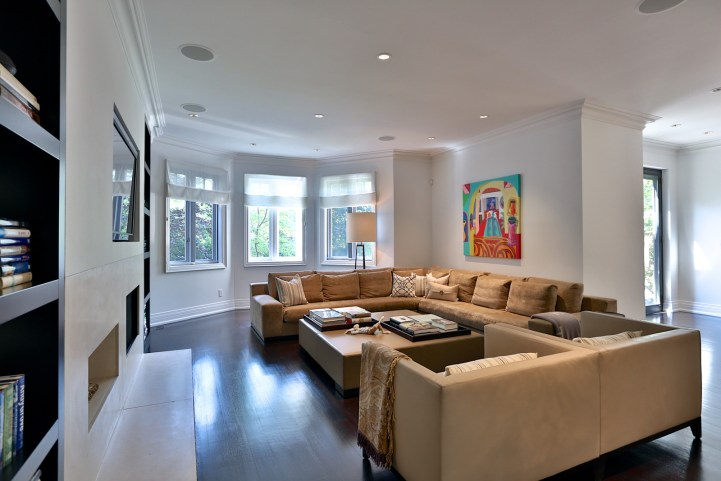 157 South Drive - Family Room Seating