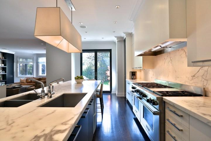 157 South Drive - Kitchen Stove