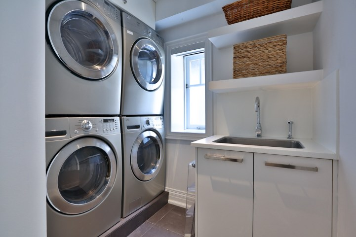 157 South Drive - Laundry Room