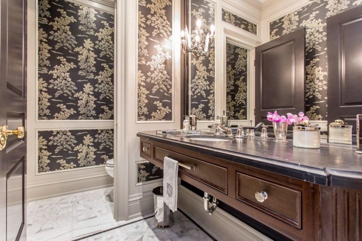181 Crescent Road - Bathroom wallpaper